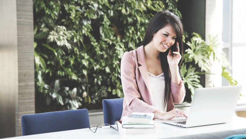 W co się ubrać do pracy? 12 najważniejszych zasad!
