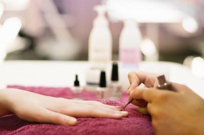 kosmetyczka paznokcie
