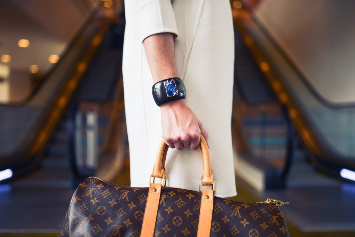 Typowa torebka Polki. Co najczęściej w niej nosimy?