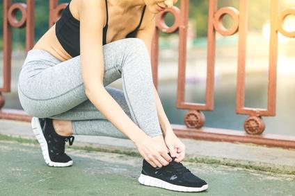Sneakersy filarem mody ulicznej