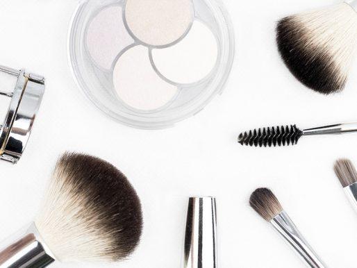 Jakie pędzle do makijażu wybrać - syntetyczne czy naturalne?