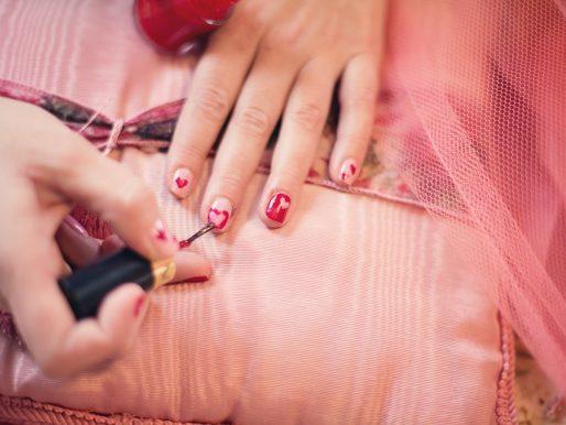 Jak zrobić wzorki na paznokciach?