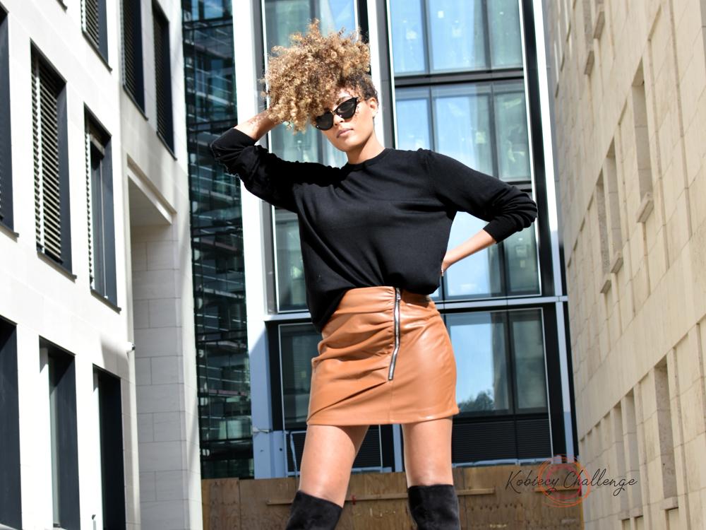 Karmelowa mini spódniczka – stylizacja od Kobiecy Challenge!