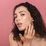 Jakich kosmetyków użyć, przygotowując makijaż na co dzień?