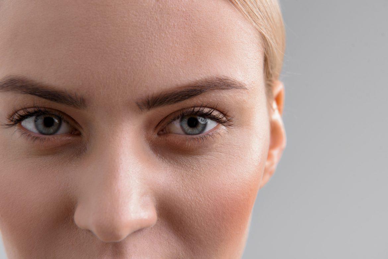 Jakich kosmetyków użyć do makijażu oczu?