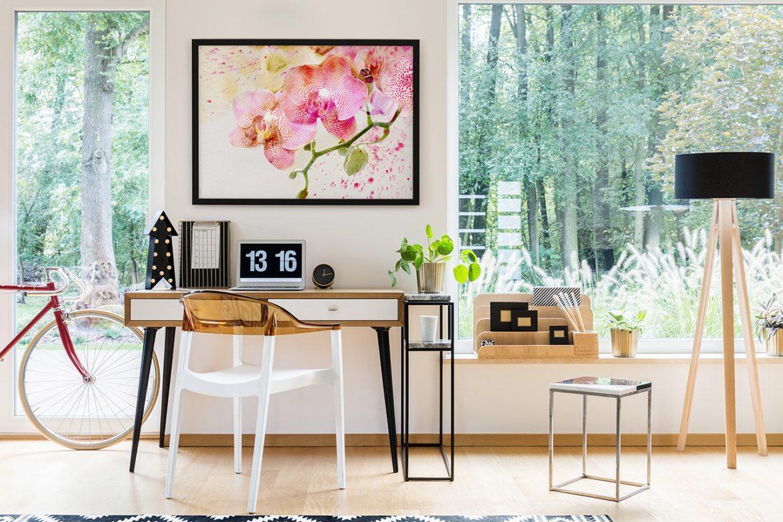 Plakat z kwiatem - dodaj koloru do swojego wnętrza