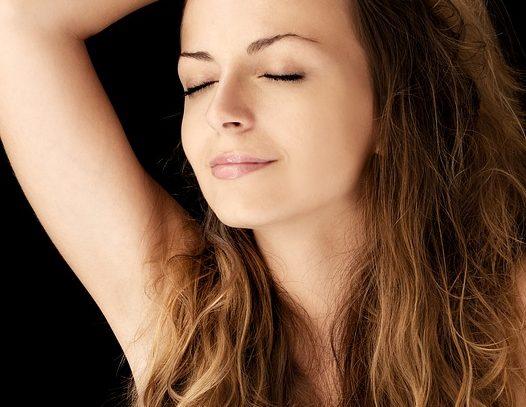Doczepiane włosy na klipsy — przedłuż włosy bez pomocy fryzjera