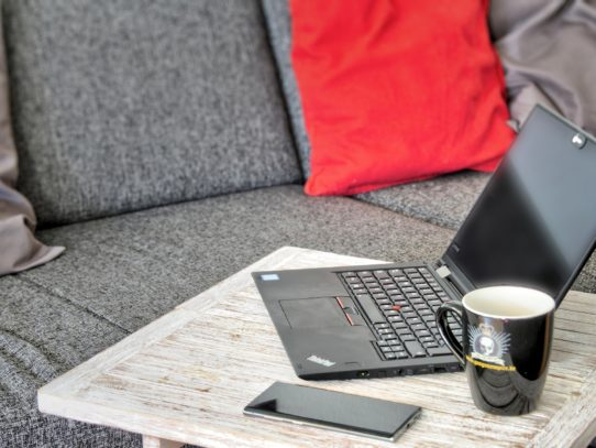 Home office z dziećmi w domu - jak pracować i nie zwariować?