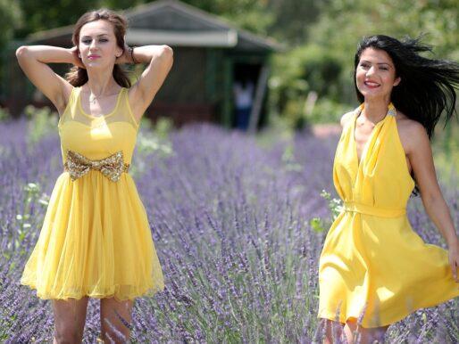 Sukienki koktajlowe – na jakie okazje założyć?