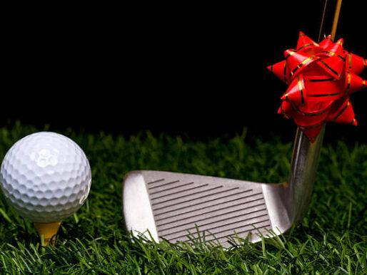 Nie wiesz co możesz kupić golfiście? Mamy na to sposób! Sklep golfowy GolfHelp.pl