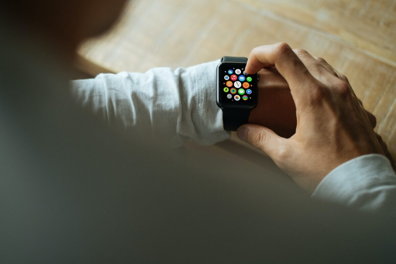 Jak wybrać smartwatcha dla faceta?